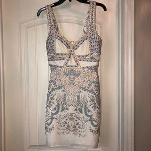 NWOT BCBG Maxaxria White and Blue Summer Dress